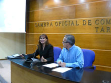 Un moment de la conferència de Laura Borràs a la Cambra