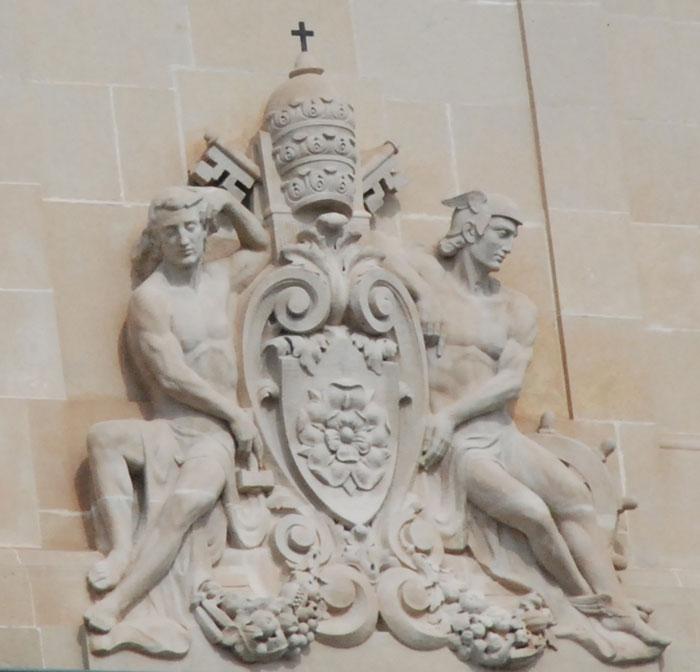 Escut a la façana de l'Ajuntament de Reus