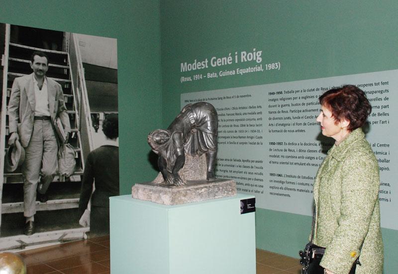 Mª del Carme Gené a l'exposició del Museu d'Art i Història de Reus