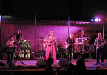 Una actuació de Rauxa a Roda de Barà