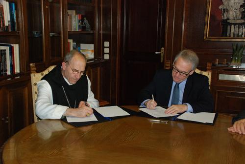 Josep Alegre, abat del monestir, i Josep Poblet, president de la Diputació de Tarragona