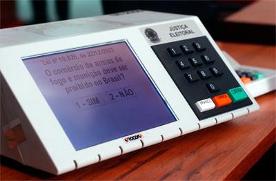 Máquina de votación electrónica de Premier Election Solutions utilizada en las votaciones de Brasil. José Cruz - AgenciaBrasil/ Viquipèdia