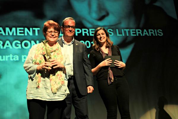 El diputat Joan Olivella va entregar el premi a la guanyadora