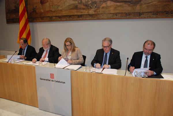 El passat dilluns, 23 de març, es va signar el conveni per a la gestió del padró municipal